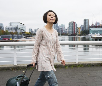Maki Yi in Vancouver. Photo by Emily Cooper.