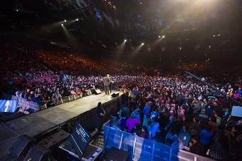 Rogers Arena was full each night. BGEA photo.
