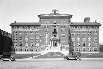 St. Paul's Hospital serving Vancouver from its Burrard Street location for more than 100 years. (1923: Archives# Bu N251)