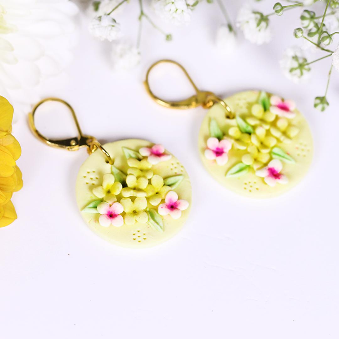 Lemon Yellow Pink Flower Bunch