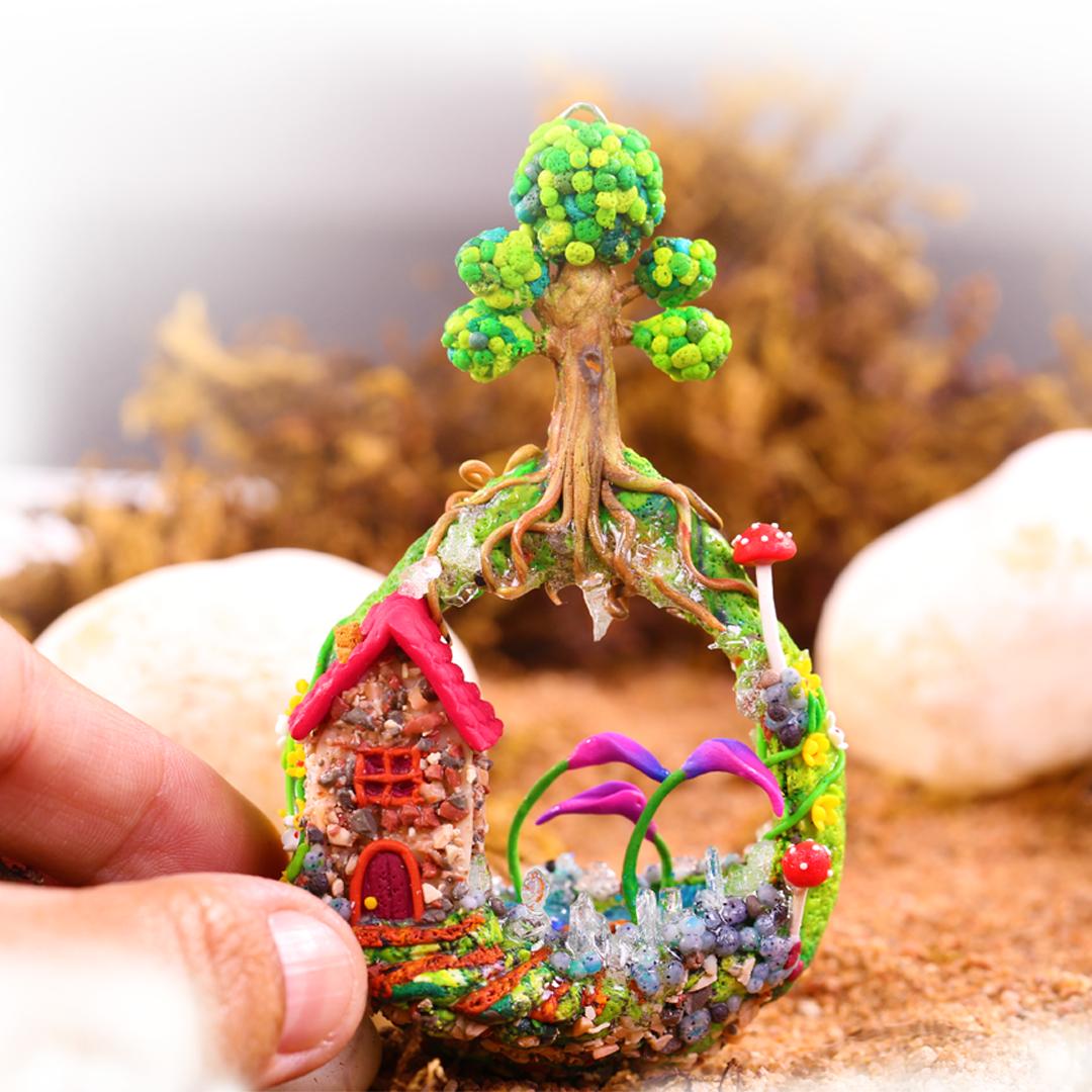 Miniature Dreamhome Landscape Keychain