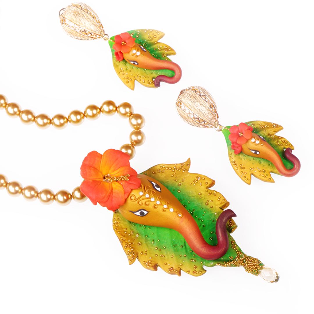 Prathmesh Ganesha gold Red Hibiscus Set