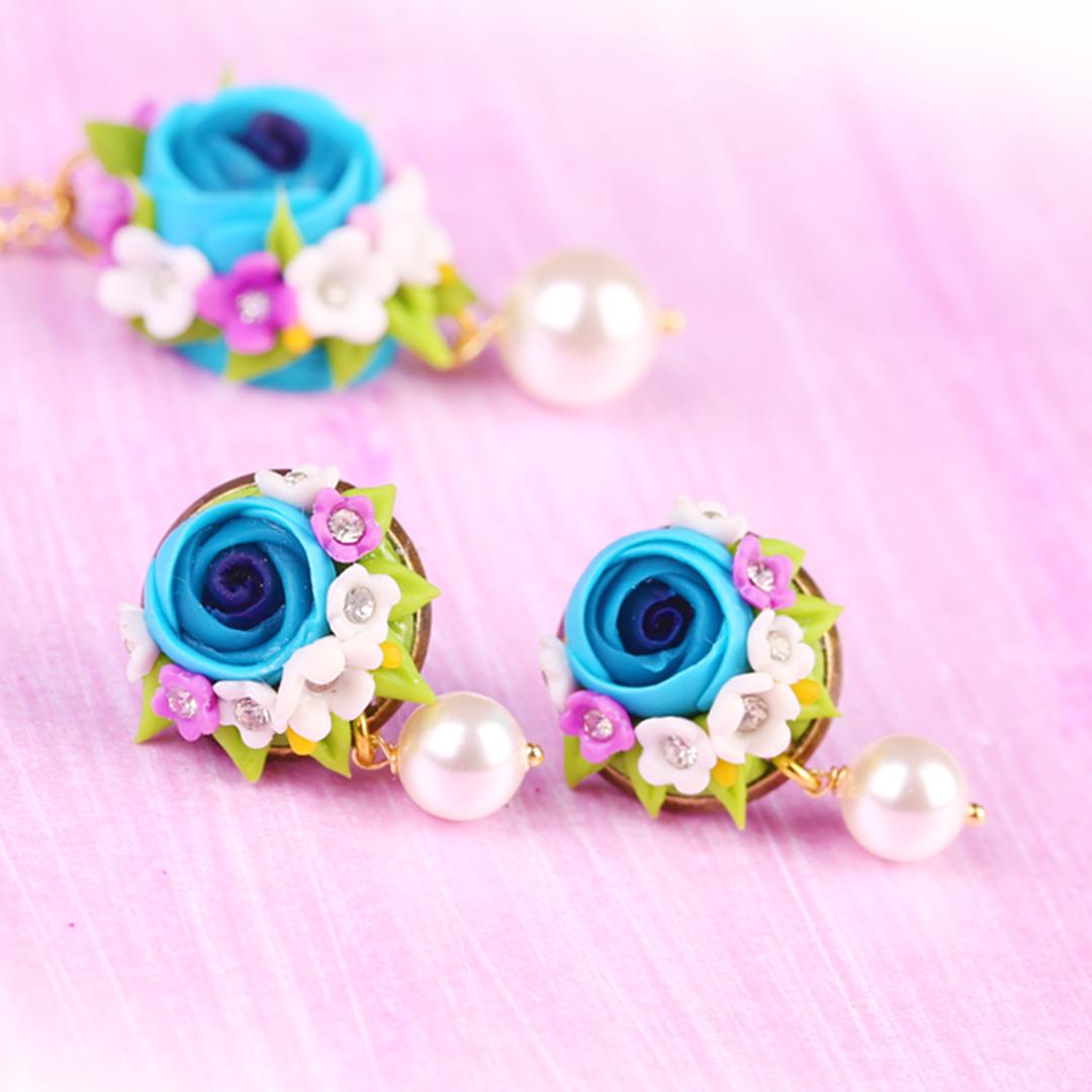 Rosacea Blue Rose Pearl Studs