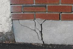 Louisville Foundation Crack, call the experts in foundation repair louisville ky.