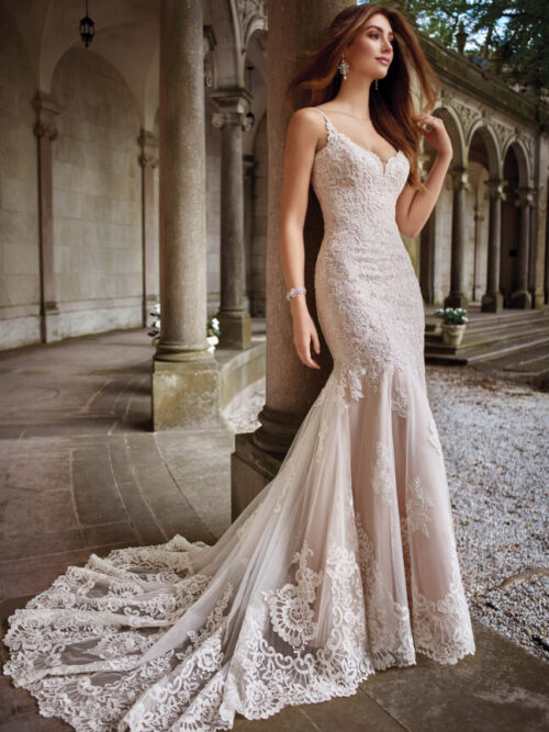 full lace wedding dress with low back and fitted skirt bride