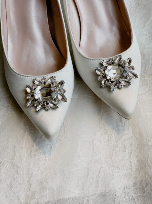 kitten heel broach shoe for wedding day
