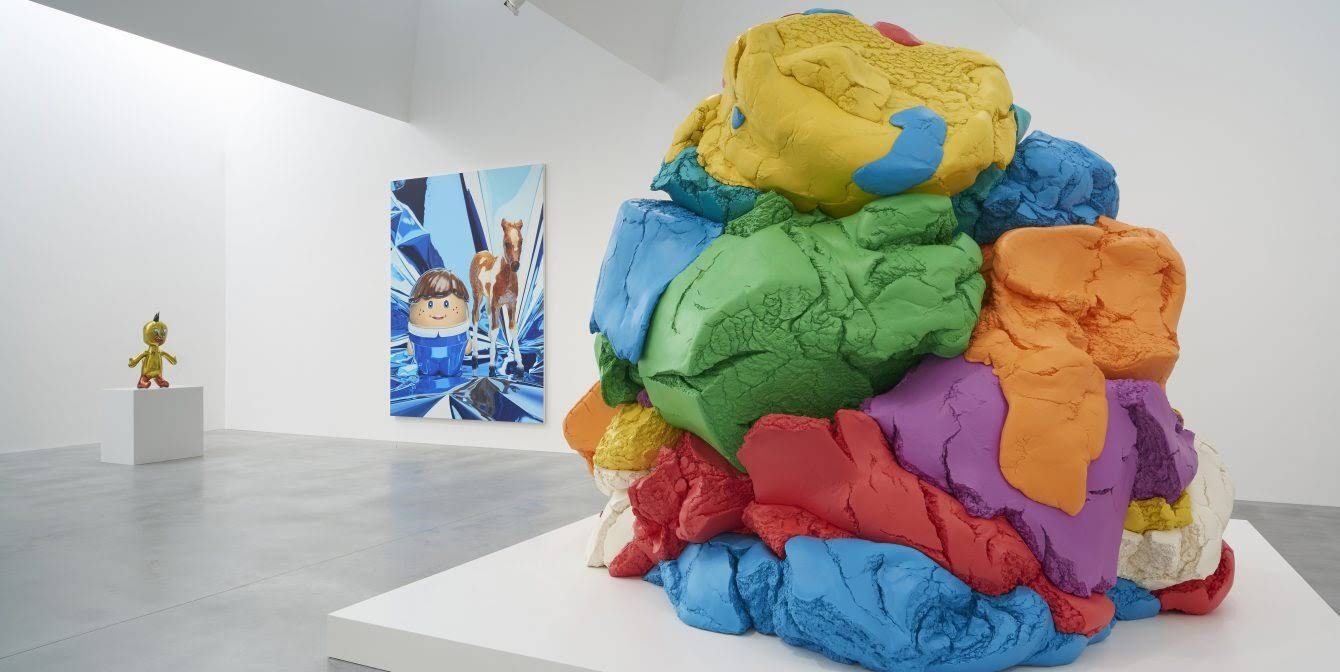 Gallery-6_Photo-by-Prudence-Cuming-Associates-©-Victor-Mara-Ltd-artwork-©-Jeff-Koons-1340x672