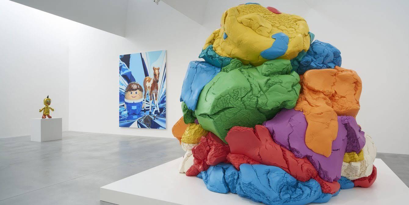 Gallery-6_Photo-by-Prudence-Cuming-Associates-©-Victor-Mara-Ltd-artwork-©-Jeff-Koons-1340x672