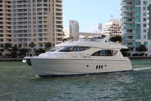 An Air 80 Hatteras yacht