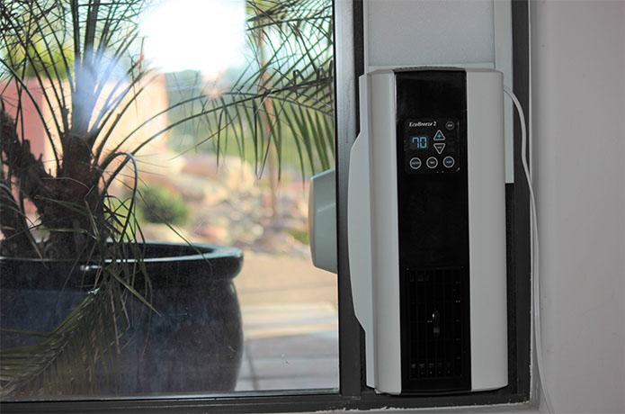 EcoBreeze 2 right slider window fan