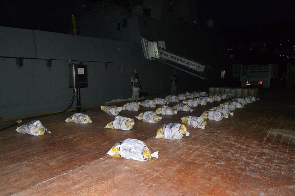 Asegura la SEMAR cargamento de 728 kilos de cocaína en Acapulco