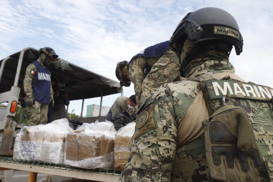 Incinera la SEMAR más de 700 kilos de cocaína asegurada al narco