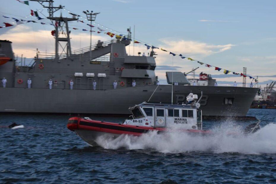 Celebración en Veracruz por los 200 años de la Armada de México