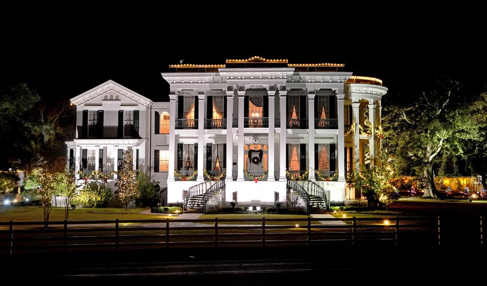Notaway-Mansion-Christmas-