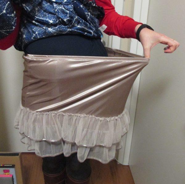 Lots of room in the elastic waist!