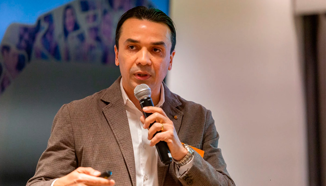 Edson Diniz, director of Redes da Maré, whose project 'Maré de Direitos' was one of the winning submissions in the 1st Desafio de Acesso à Justiça