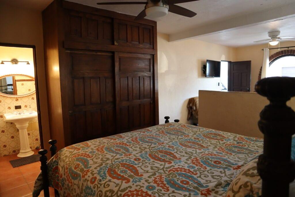 Point Break Villa - Downstairs Master Bedroom 1e