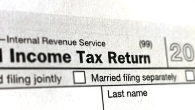 Should I Take The Standard Deduction or Itemize