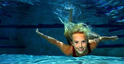 Blond_Swim_Girl