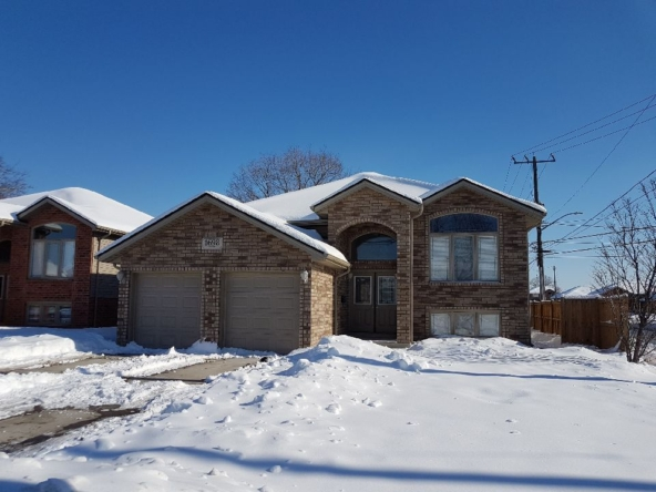1698 Northway Ave, Windsor, ON N9B 3L9, Canada-01