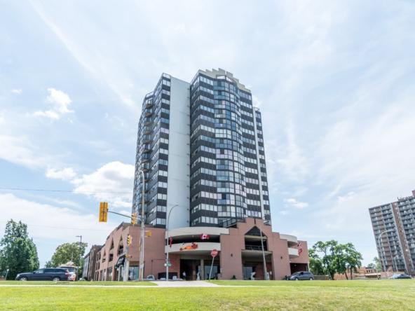 515 Riverside Dr W, Windsor, ON N9A 7C3, Canada-01