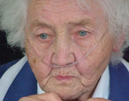 NJ female nursing home patient on oxygen