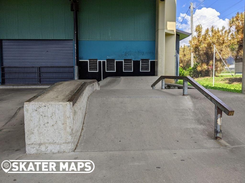 Skate ledge & square rail