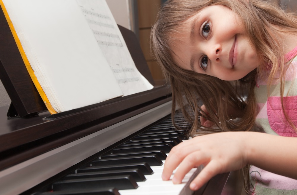 Shutterstock+Girl+Piano