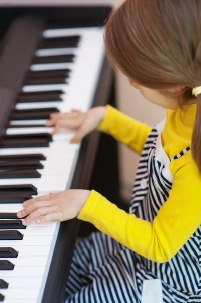 depositphotos_10272895-stock-photo-little-girl-in-yellow-dress