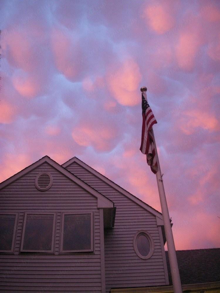 PICT0832-flag-cloudsGSE