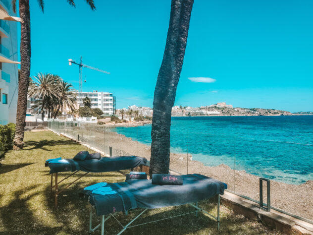 ERTSY CHIC LUXESCAPES: Hotel Torre Del Mar review