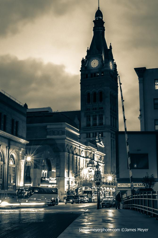 City-Hall-B&W-1008H