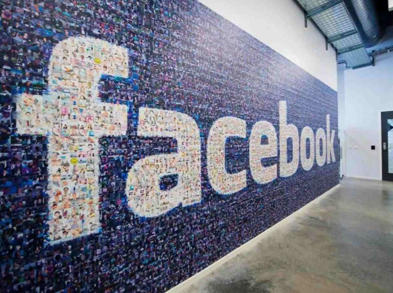 Facebook responds to Trending news 'bias' with automated selection