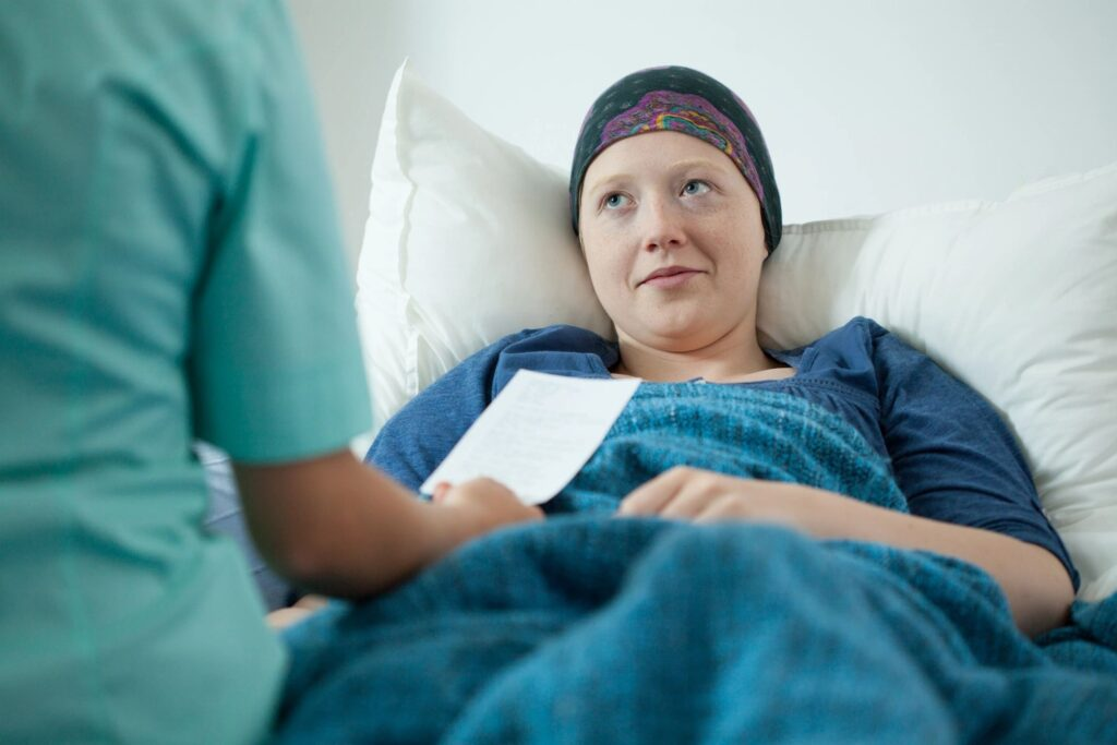 The side effects from chemotherapy can be quite tough, but luckily there are natural remedies that offer symptom relief