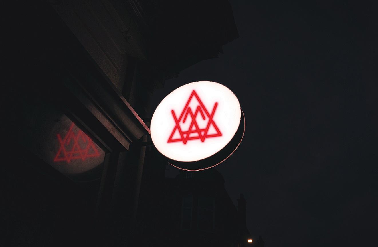 Alexander White website logo