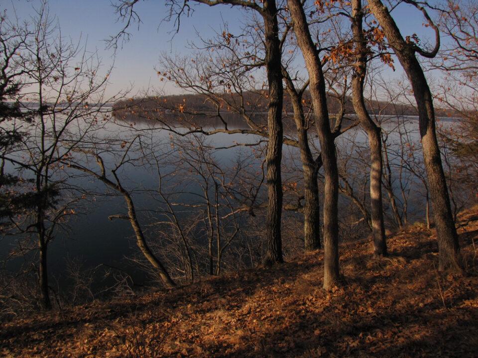 Winnebago Tr lake view1 3-23-10A