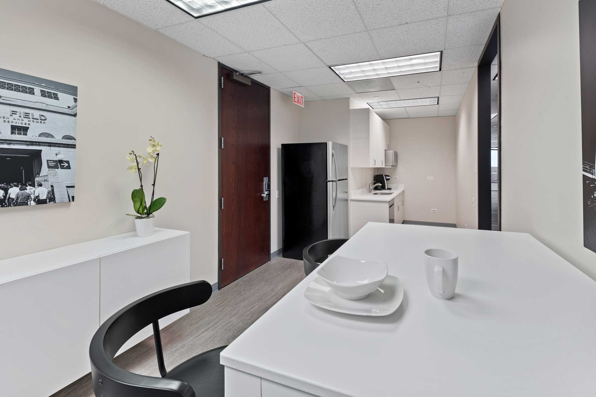 Office Base Chicago Kitchen