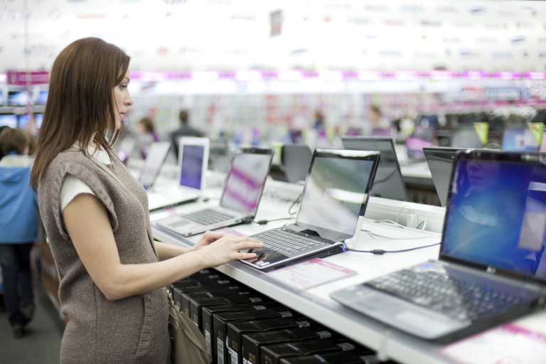 Laptop Purchasing Guide for College Students