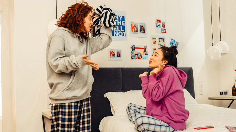 How to Prevent and Resolve Roommate Conflicts