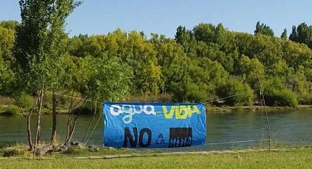 Jornada Artística contra la Megaminería contaminante en el río