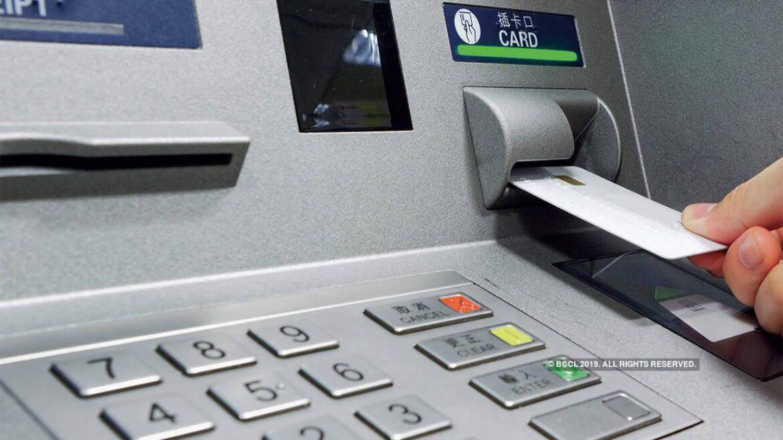 ¿Cuánto costará sacar dinero en los cajeros desde abril?