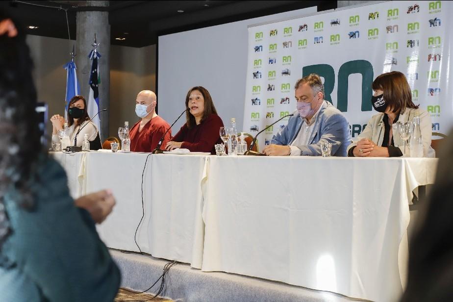 Carreras anunció medidas restrictivas por 15 días en Bariloche y Dina Huapi