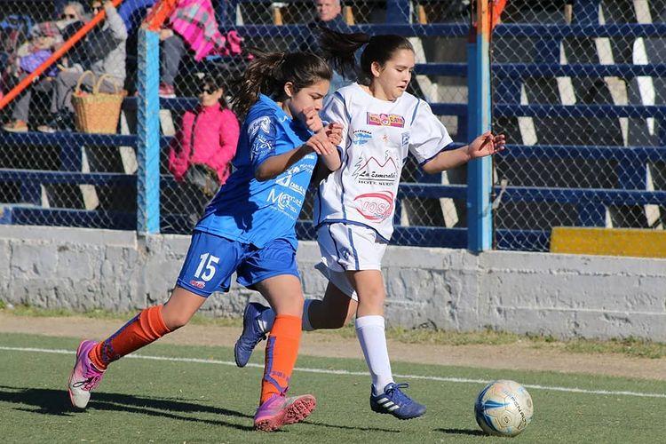 Vuelve el fútbol femenino a la Liga Deportiva Confluencia