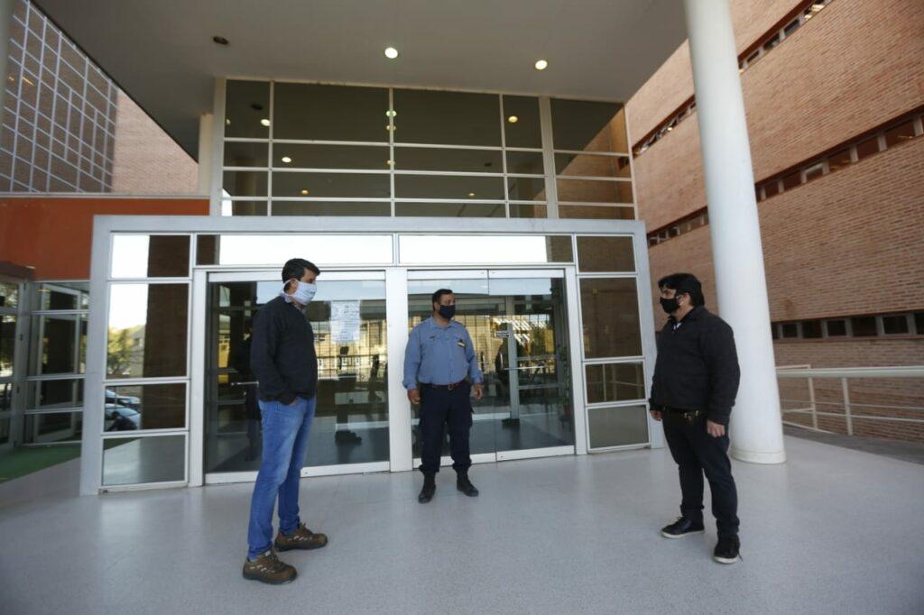 Denuncian que tres funcionarios judiciales se contagiaron y no avisaron