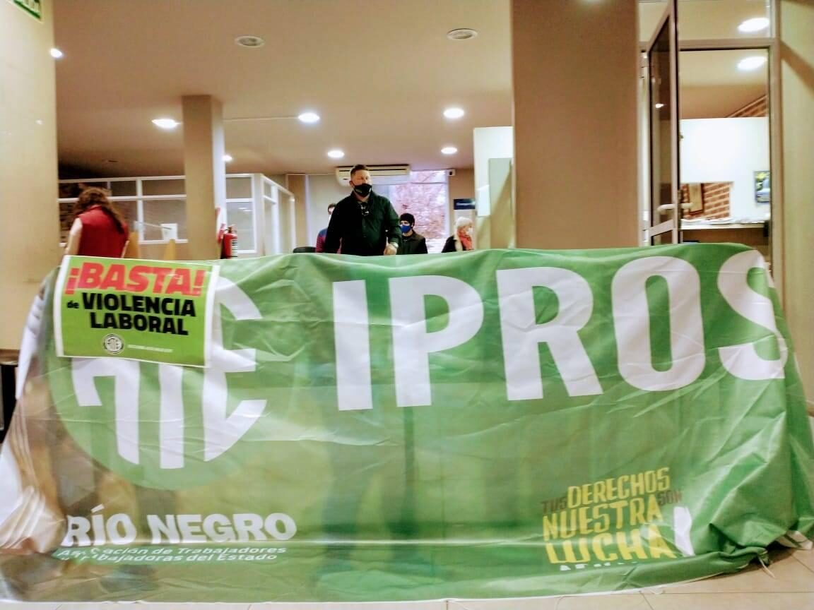 Ipross: los trabajadores respondieron las acusaciones de Marenco