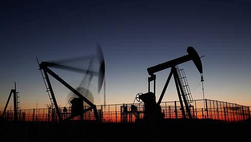 Petroleros firmarán una suba salarial del 65%