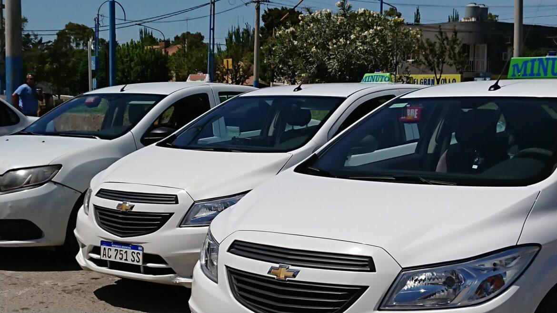 Propietarios de taxis piden vacunar a los choferes