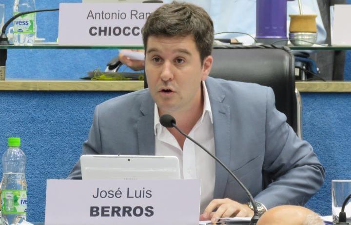 Berros: «Es tiempo que dejen de lado la soberbia, es tiempo de trabajar en serio»