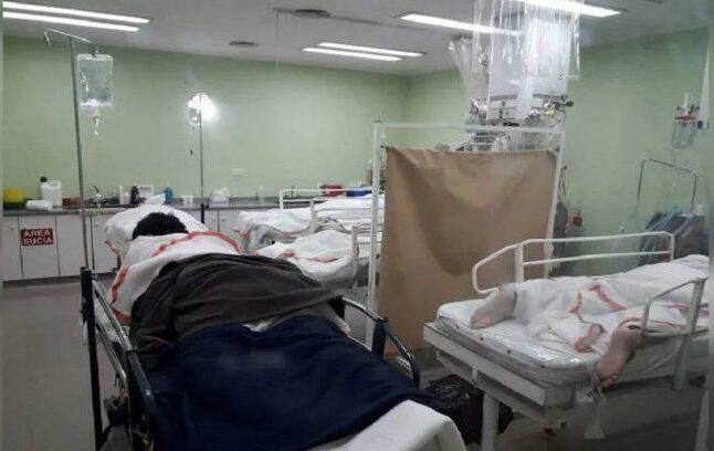 Colapso en Cipolletti: «Hubo pacientes atendidos arriba de la ambulancia»