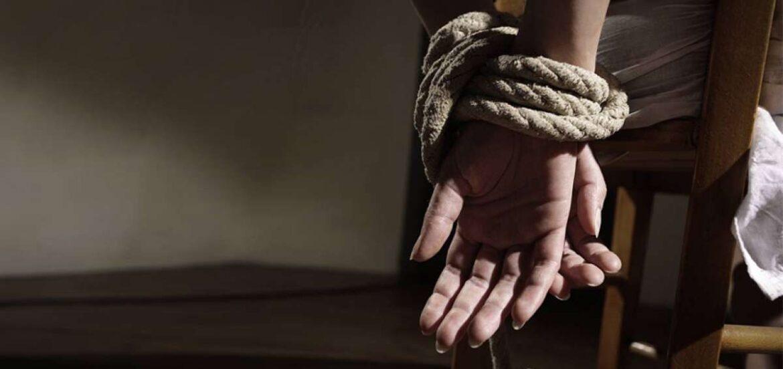 Joven de Roca fue secuestrada y golpeada por su ex pareja